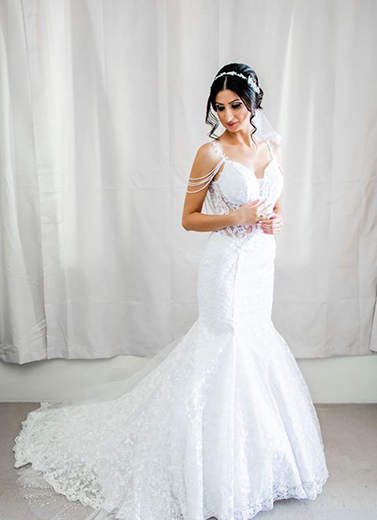A style Ivory bridal gown with strap